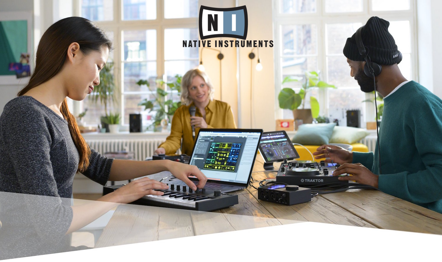 "<h2 class=""title"">☆Native Instruments 新製品発売☆</h2>"